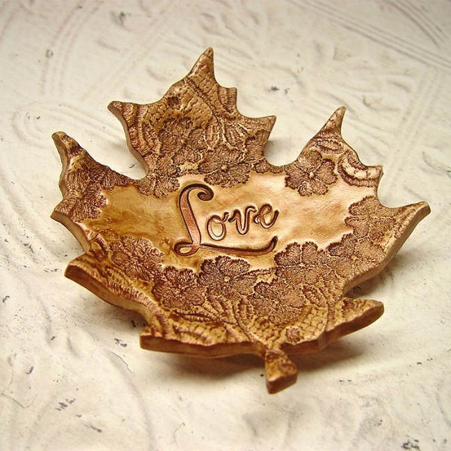 OldeKettleLane_vintage_floral_lace_leaf_ring_holder