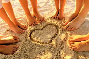 feet-beach-sand-heart-892724-gallery
