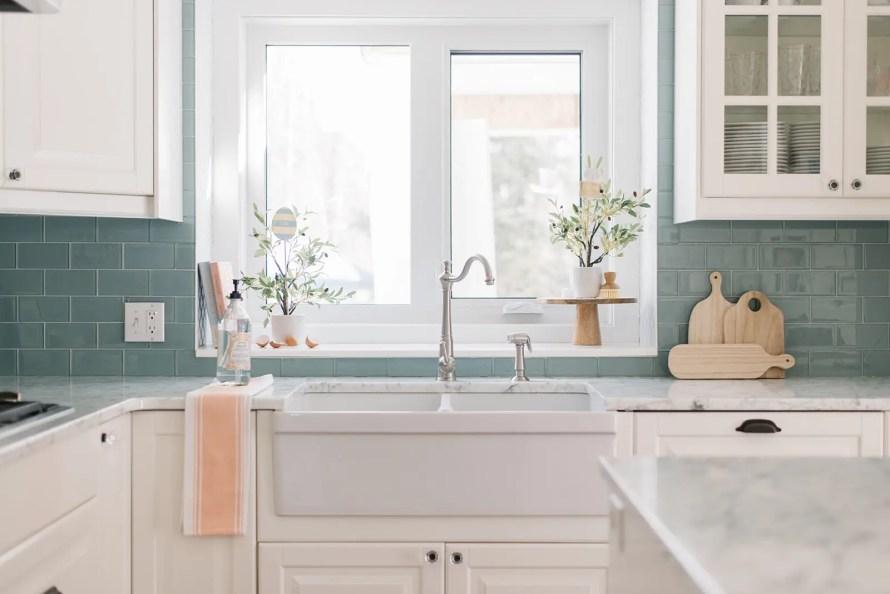 A pretty farmhouse sink in a DIY custom kitchen