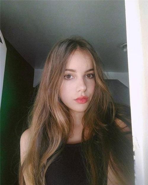 Gục ngã trước những bức hình sexy của người đẹp Brazil Jhulia Pimentel