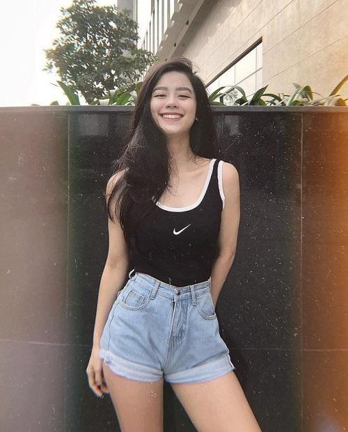 """Hot girl Hàn Hằng - """"Tiểu tam tin đồn"""" trong mối tình vlogger Huyme và Trúc Anh là ai?"""