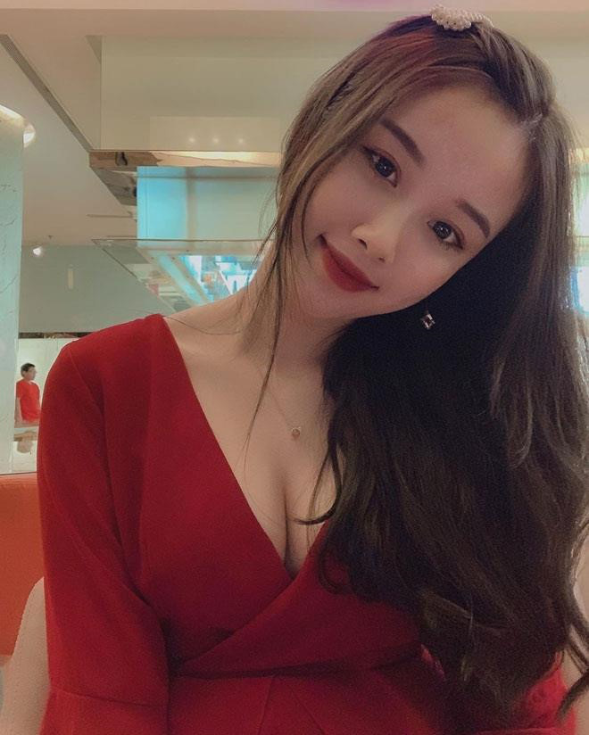 Ngắm dàn WAGs sexy của các cầu thủ Việt Nam
