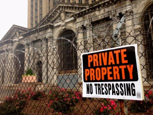 No Trespassing: no one comes in, and no one comes out.