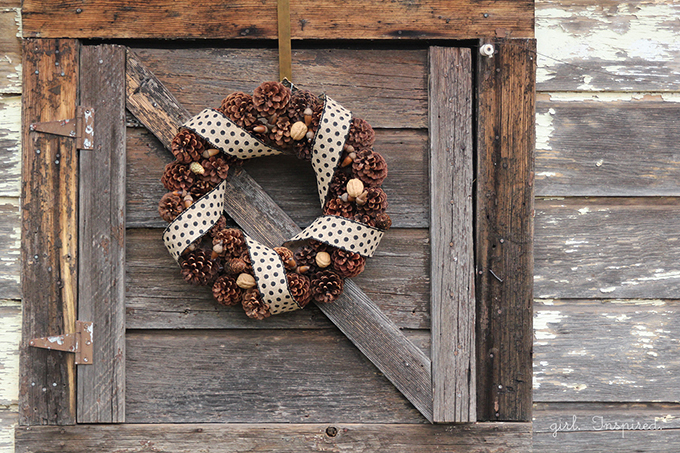 Rustic Pinecone Wreath - perfect DIY for winter decor