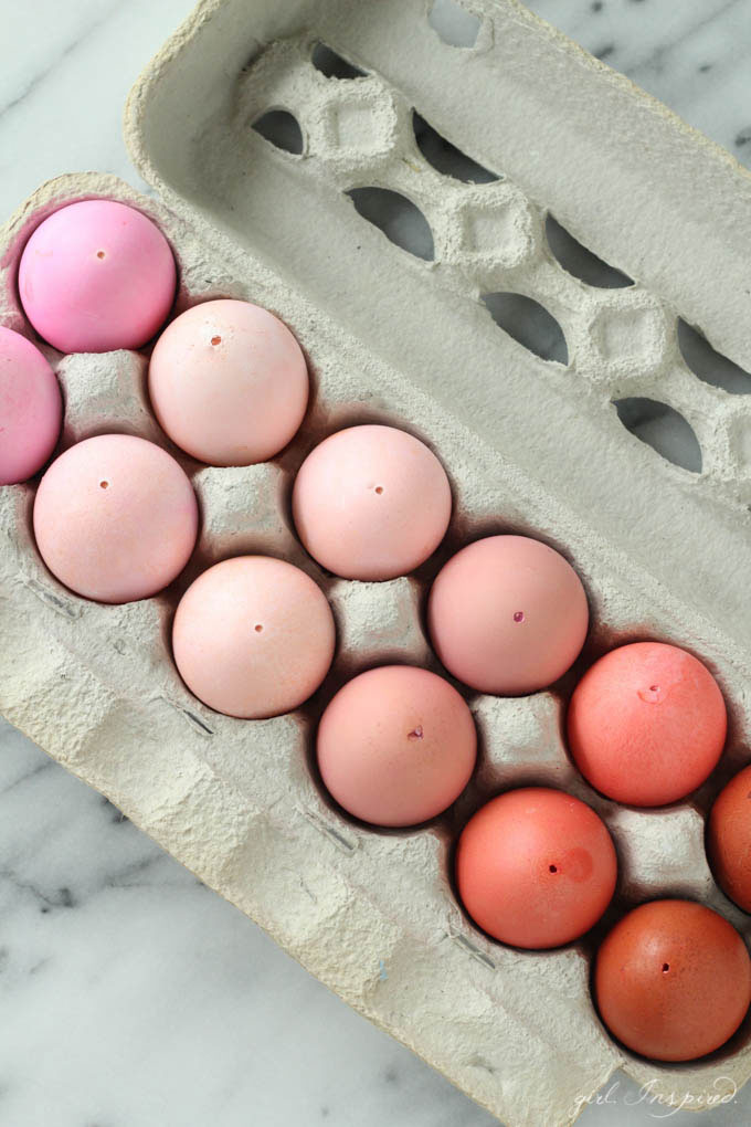 Monochromatic Easter Eggs - easily make beautiful monochromatic eggs to display year after year!