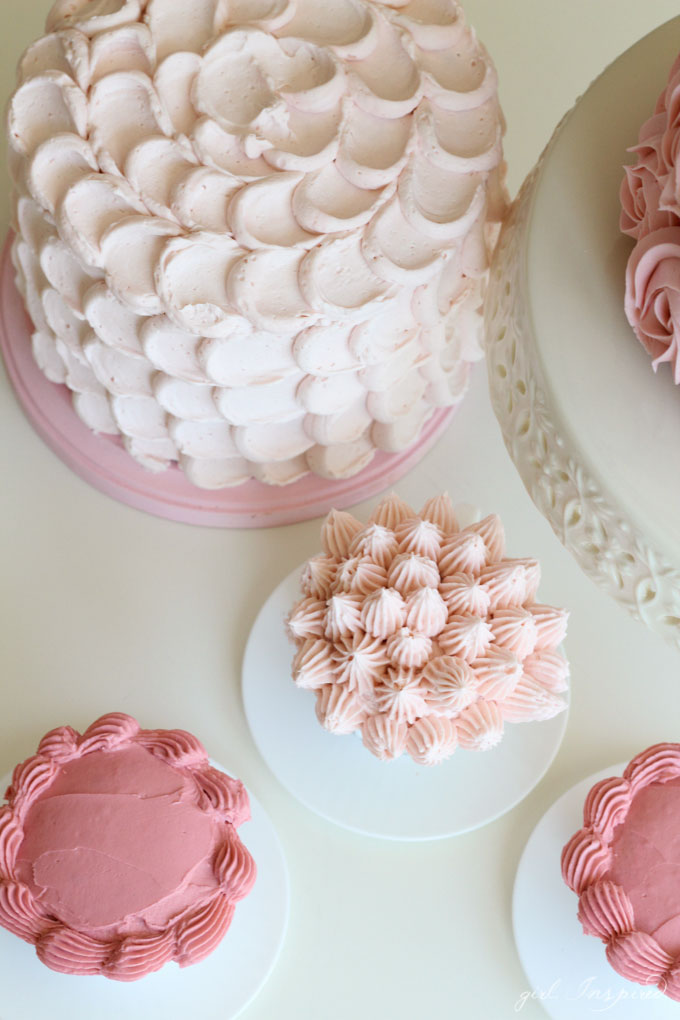 Four simple but stunning cake decorating techniques!