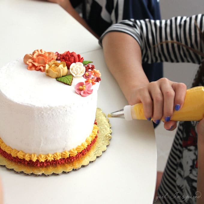 Cake Decorating Party - the perfect, unique party for tweens to have fun and express themselves!