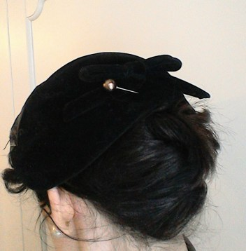 Bow at back of vintage hat & hatpin