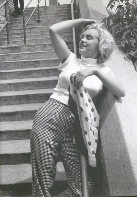 Marilyn Monroe wearing her checked trousers