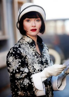 Miss Fisher - Cream & black cloche