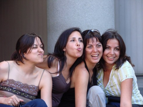 Photo cr: Rufino, flickr.com https://flic.kr/p/t9gZo | 10 Tips for Making Friends as an Adult | The Girl Next Door is Black