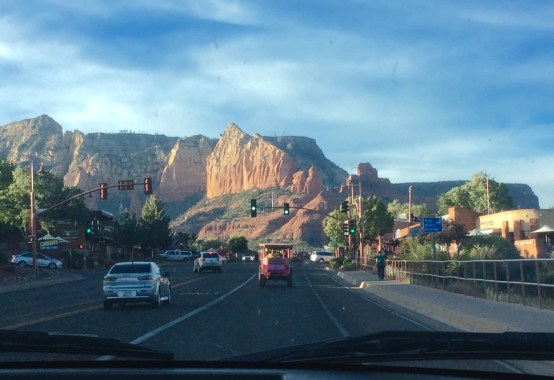 With it's backdrop of stunning red rocks, mysterious energy vortexes and gobs of outdoor activities like horseback riding and hiking, Sedona, Arizona is the perfect spot for a weekend getaway. | The Girl Next Door is Black