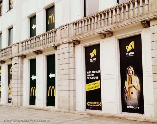 McFit Display Ad Warsaw | The Girl Next Door is Black