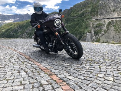 Harley-Davidson Sport Glide review Gotthards pass