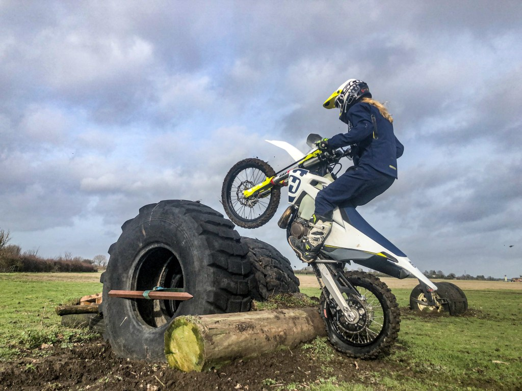 Hard enduro tyre obstacle