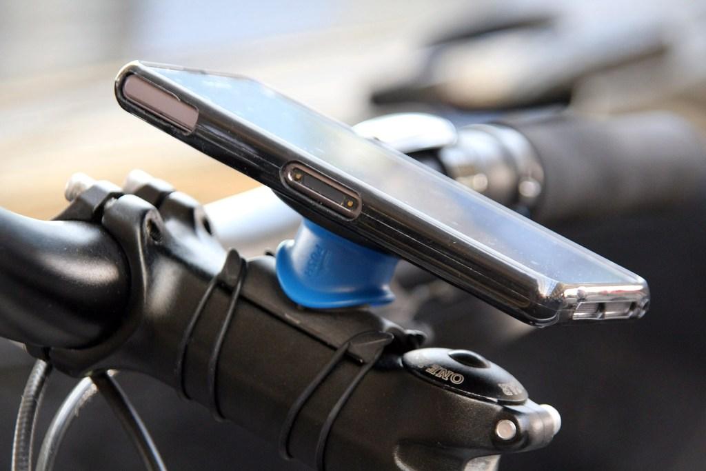 Quad Lock Universal Bike Kit mounted