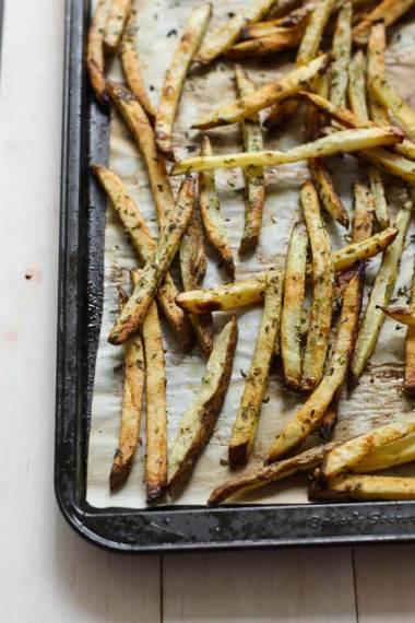 Greek Gyro Fries with Chicken and Tzatziki