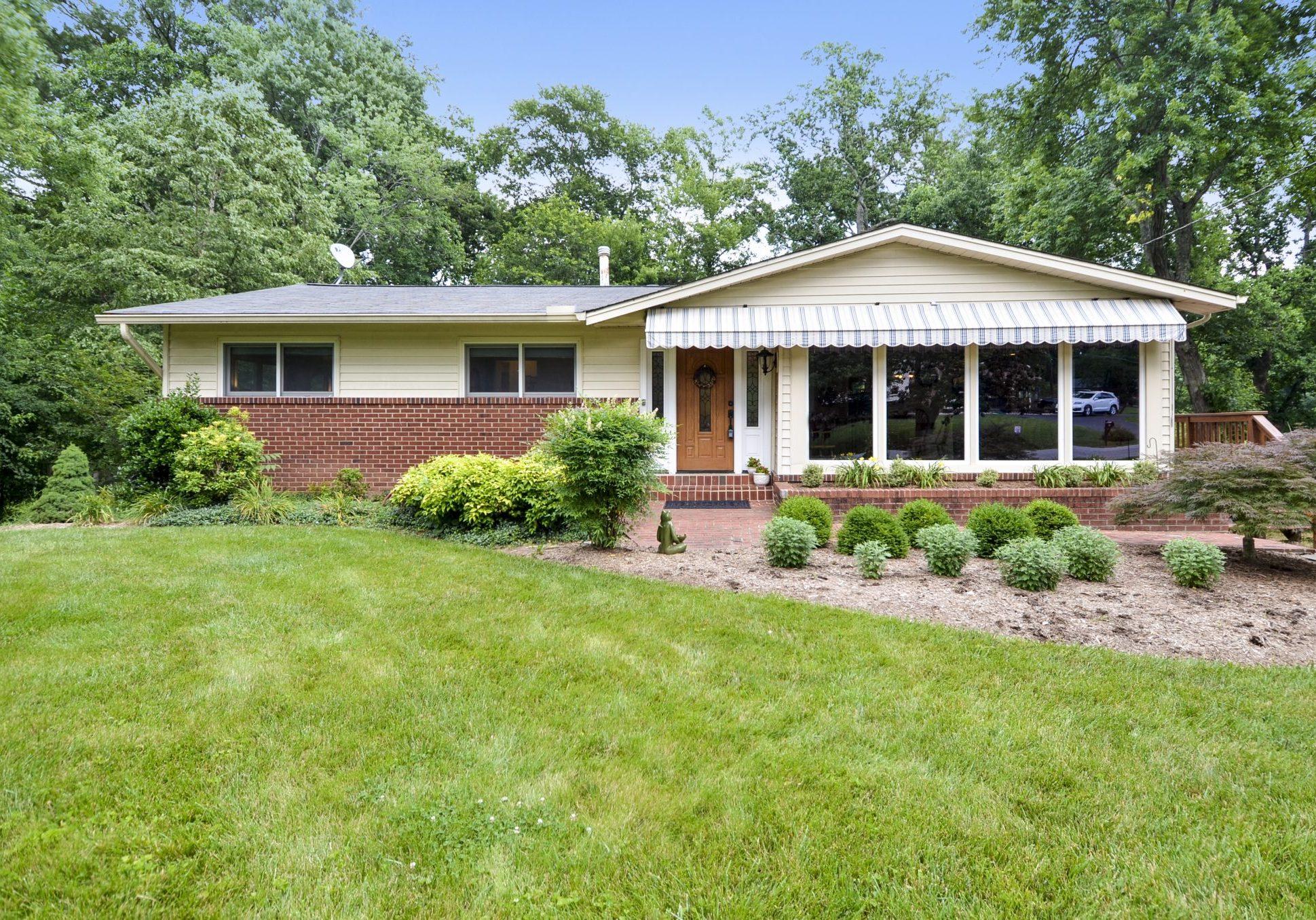 8719 Gateshead Road Alexandria VA Home For Sale | Chelle Gassan, REALTOR® Exterior-8719 Gateshead Rd