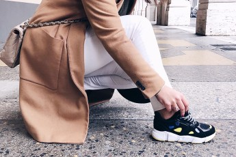 primo piano sneakers