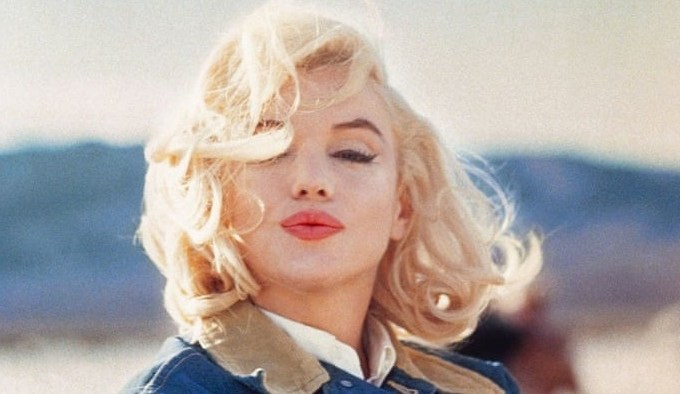 Eve Arnold Marilyn Monroe Promotional Image The Glitter and Gold