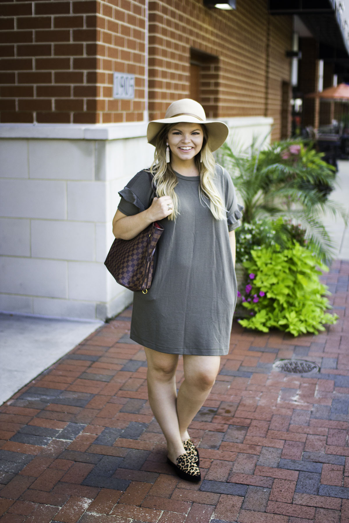 Office Outfits Essentials: Trend Spin Link-Up by TN fashion blogger The Glitter Gospel
