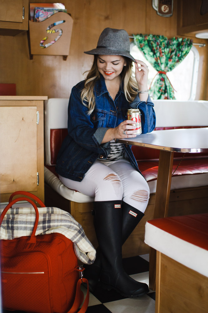 Glamping in the Smokey Mountains with the Vera Bradley Weekender Collection. Glamping, Gatlinburg, The Smokey Mountains, Fall Style, Travel - Glamping in the Smokies with the Vera Bradley Weekender + Giveaway! by Tennessee fashion blogger The Glitter Gospel