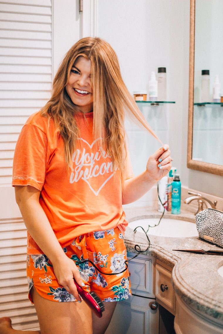 How to tame frizzy hair. Hair Care routine, summer hair care, conair smoothing brush, blonde balayage, the glitter gospel, tennessee blogger.