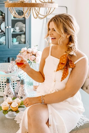 Learning to Love Laundry Day with popular Tennessee Life + Style Blogger The Glitter Gospel. Laundry Day | Bridgewater Candle Company | Side Braid | Laundry Party | Spring Cleaning