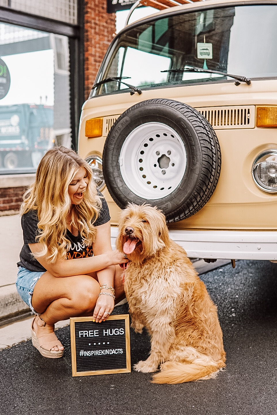 Lacey Douthat of The Glitter Gospel shares 3 easy ways you can inspire kindness today. Lifestyle blogger, kindness movement, Tennessee Blogger, Goldendoodle, VW Bus