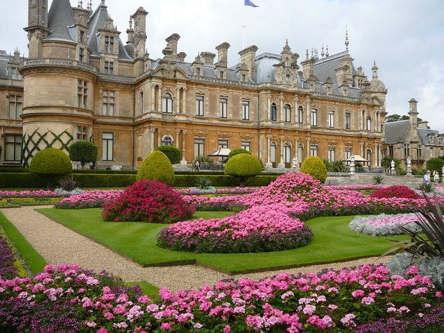Waddesdon_Manor_and_Gardens
