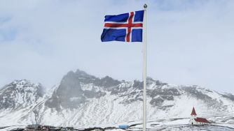 Iceland dropping bid to join EU