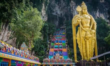 Visiting the Batu Caves near Kuala Lumpur – A complete guide