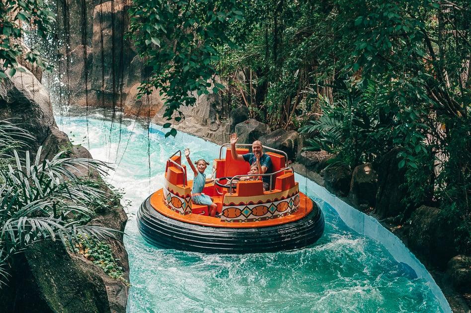 Water Amusement Park Family Fun Tube Splash River