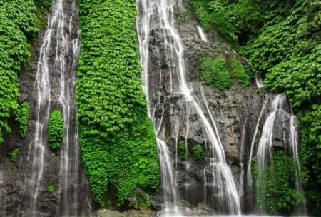 Sekumpul cascades indonesie