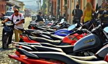 hundreds of motos