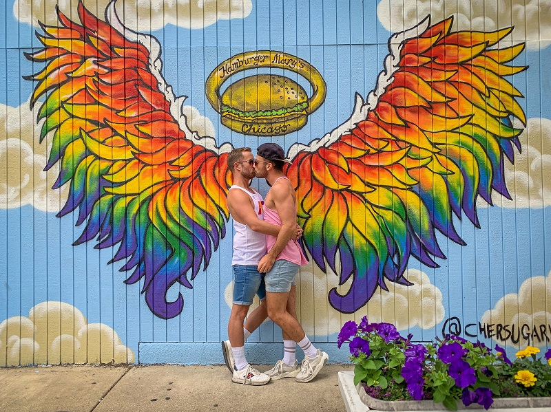 Gay chicago guide andersonville