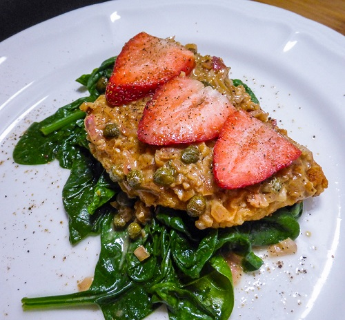 Recipe for Chicken Picatta Florentine featuring strawberries and blanched spinach. Recipe by The Gluttonous Geek.