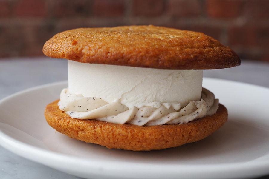 Thanksgiving Dessert fir Pumpkin Chai Ice Cream Sandwich