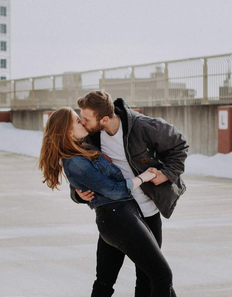How To Kiss A Girl Properly Best Kissing Tips