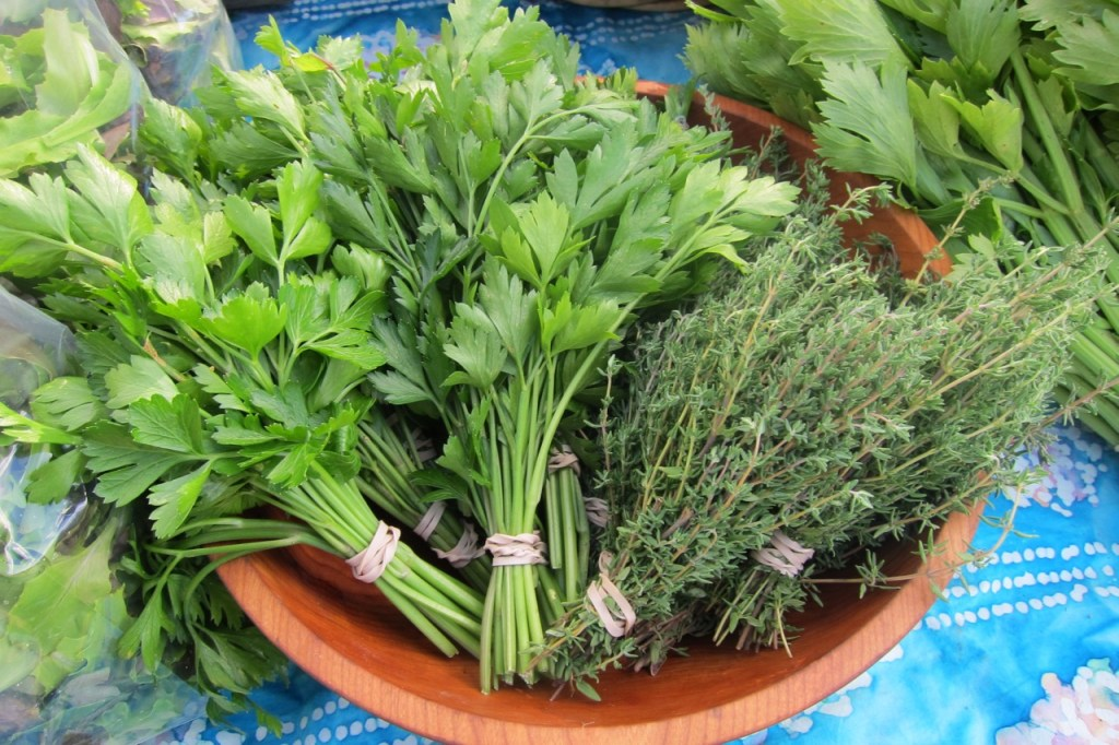 organic parsley and thyme