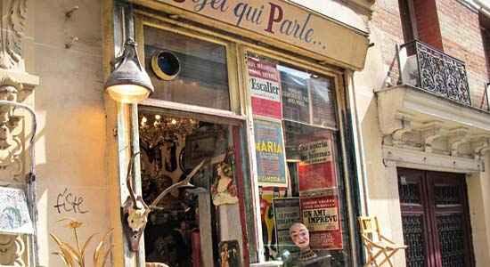 vintage shop in paris