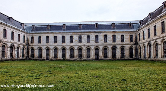 clairvaux-abbey-cloisters