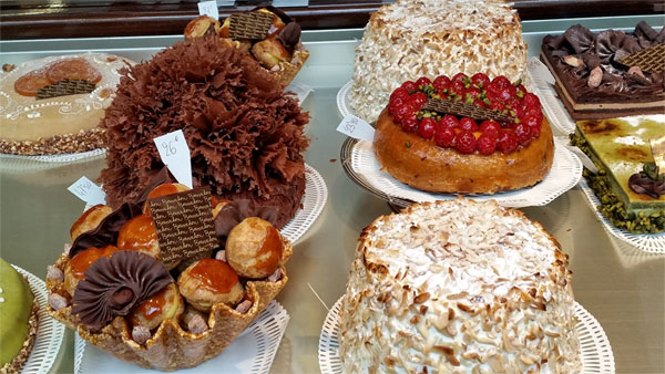 lyon-bernachon-cakes