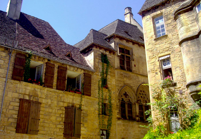 sarlat-most-romantic-places-in-france