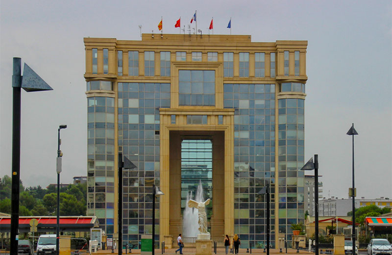 Grand, glass building in the modern district of Montpellier