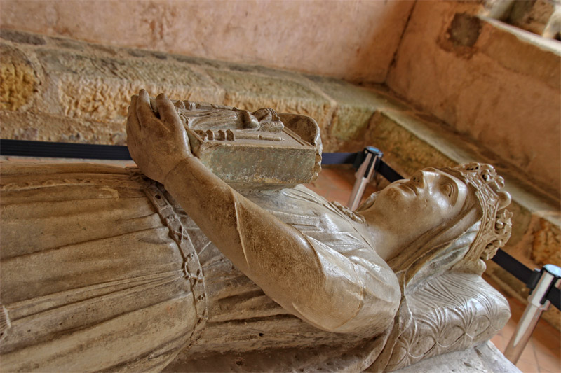 Stone effigy of Berengaria, wife of Richard the Lionheart in an abbey in Le Mans, France