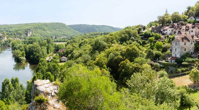 Village perched high on a hill, Saint-Cirq-Lapopie in southern France