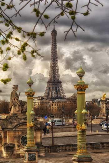 Beautiful green and gold lamp posts, Place de la Concorde, Paris