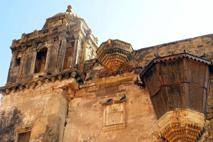 Gujarat_Bhuj_Ainamahal - The colours of Kutch