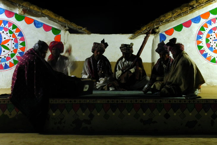 Gujarat_Dhordo_NightSingers - The colours of Kutch